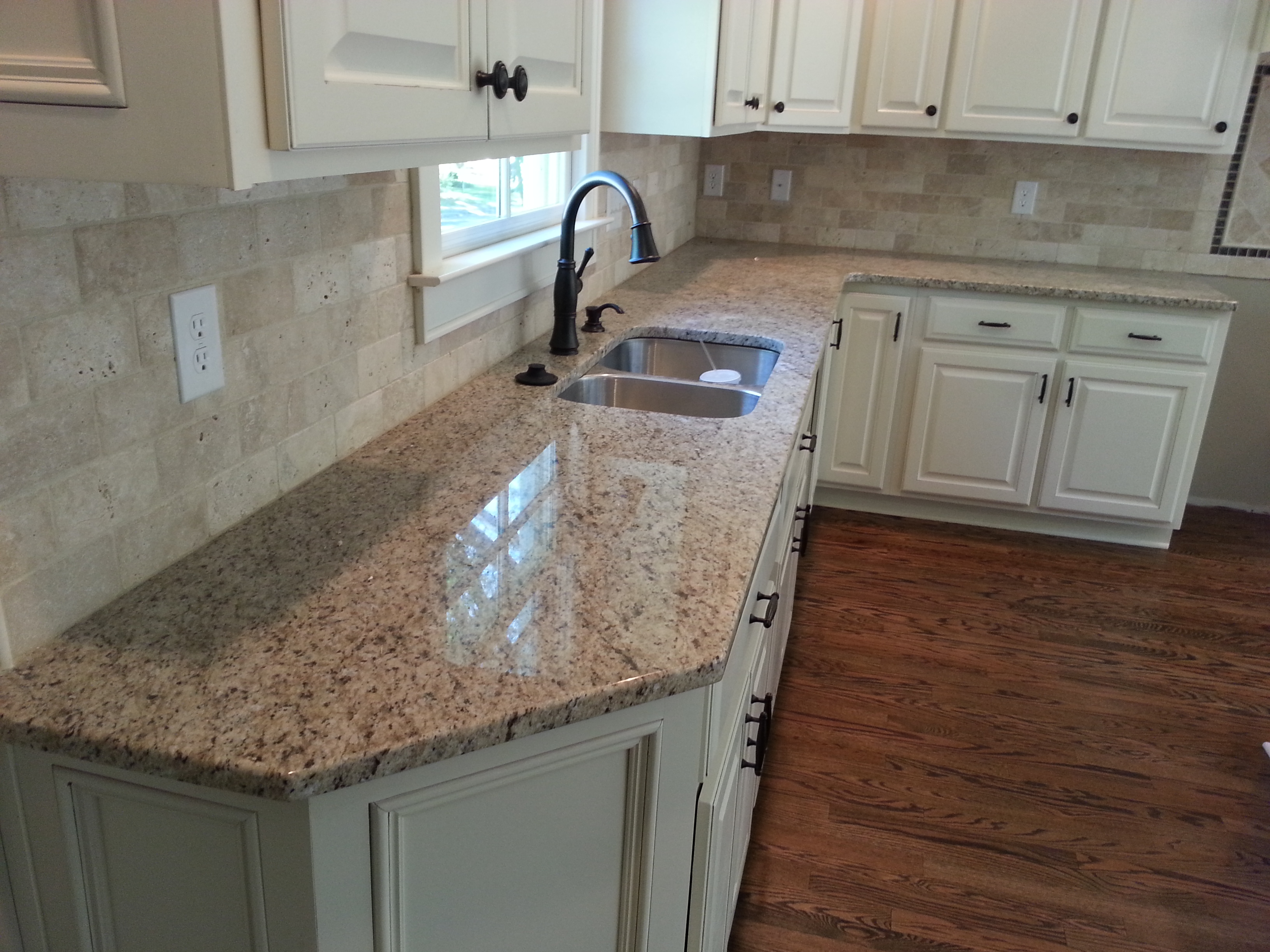 Natural Stone Countertops : Natural stone kitchen countertops oak
